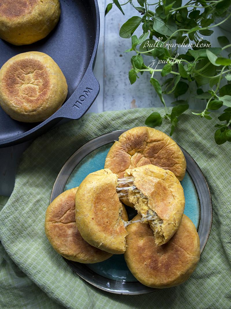 bułki bez pieczenia, bułki z patelni, bułki marchewkowe z serem